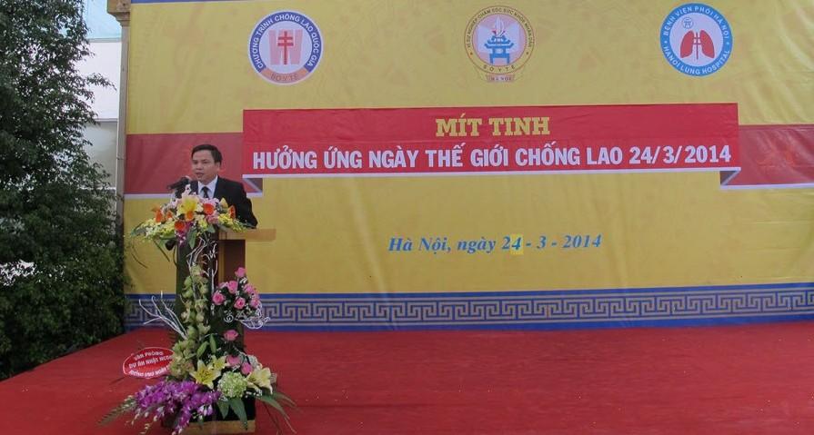 ThS.Phạm Hữu Thường - Giám đốc Bệnh viện phát biểu tại lễ mít ting 24 - 3